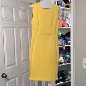 Body con yellow dress